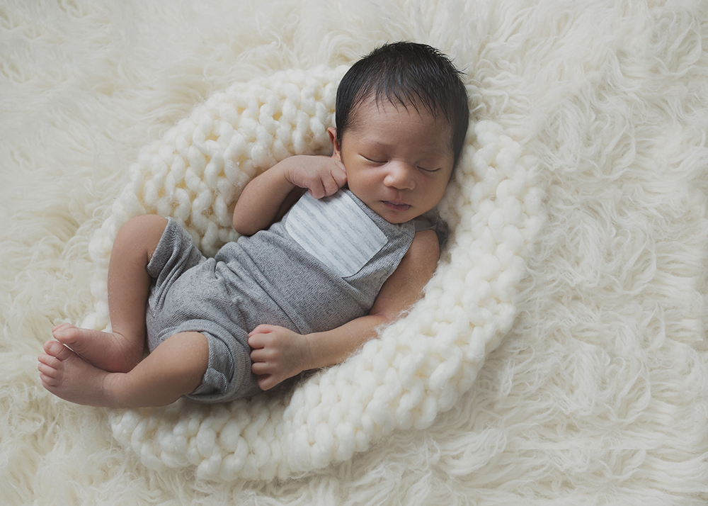 Edmonton Newborn Photographer_Baby Miguel Sneak Peek 8.jpg