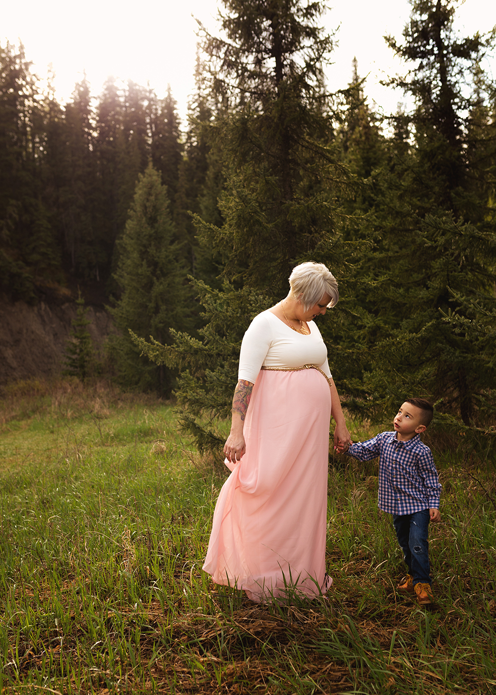 Edmonton Maternity Photographer_Chelsea Sneak Peek 6.jpg