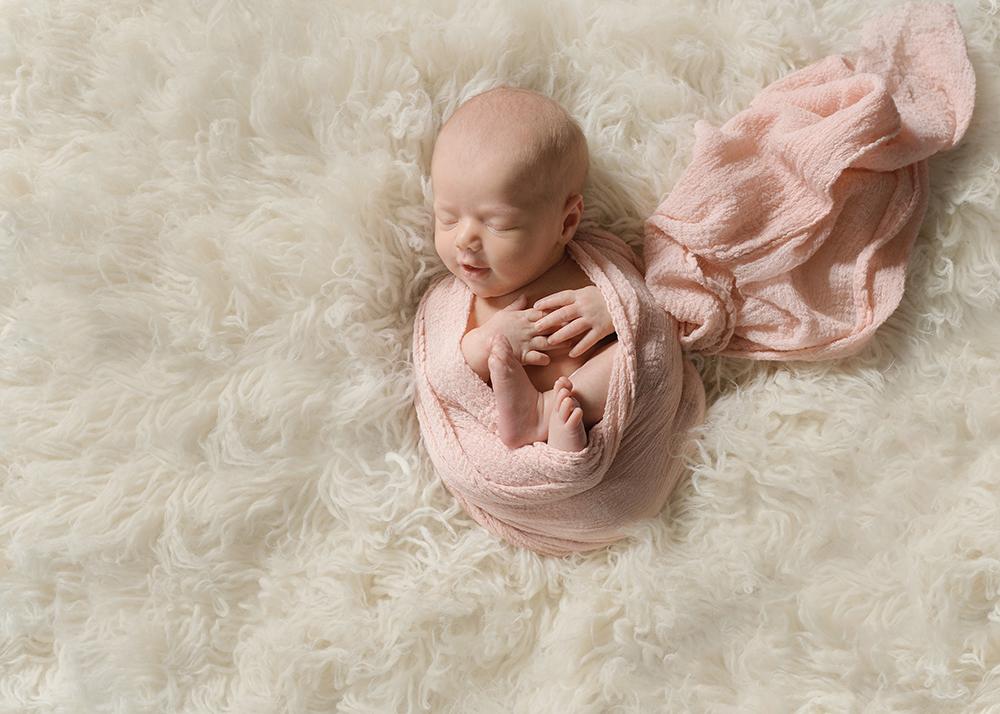 Edmonton Newborn Photographer_Baby Harlyn Sneak Peek 1.jpg
