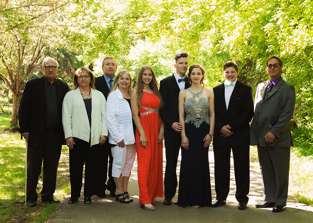 Edmonton Family Photographer_Ashely Grad Sneak Peek 5.jpg