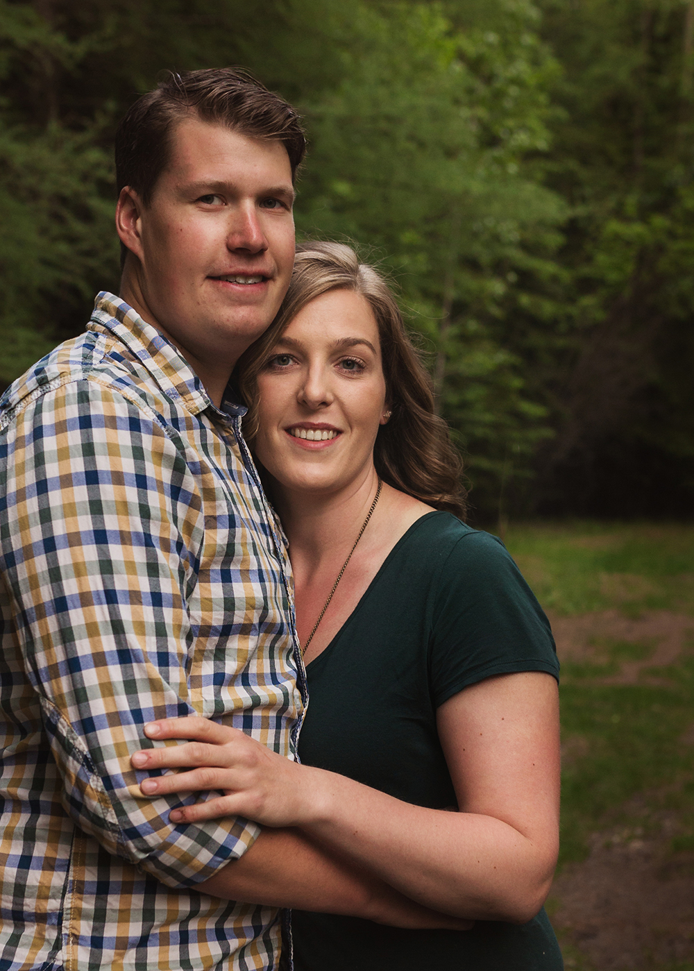 Edmonton Family Photographer_Alexa and Kory Sneak Peek 4.jpg