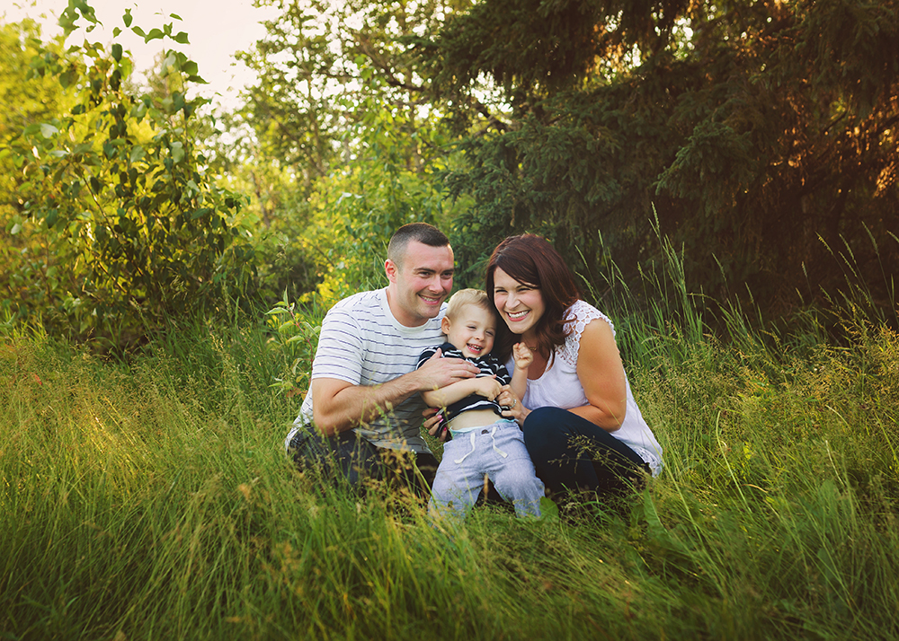 Edmonton Extended Family Photographer_G Family Sneak Peek 1.jpg