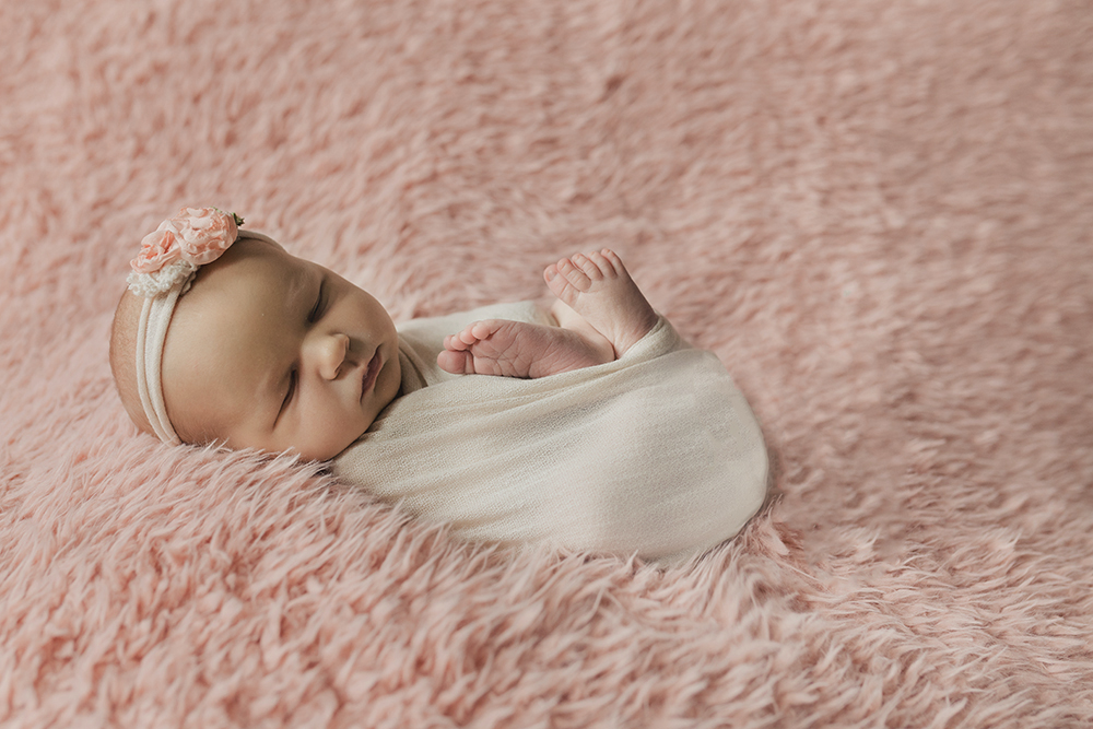 Edmonton Newborn Photographer_Baby Arianna Sneak Peel 6.jpg