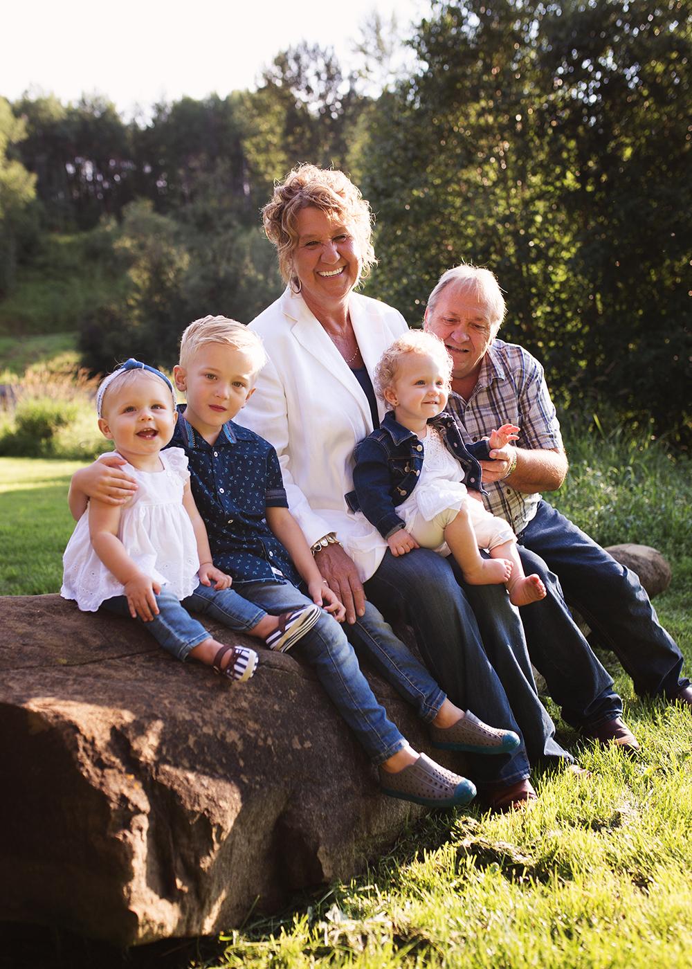Edmonton Extended Family Photographer_Miller Family 8.jpg