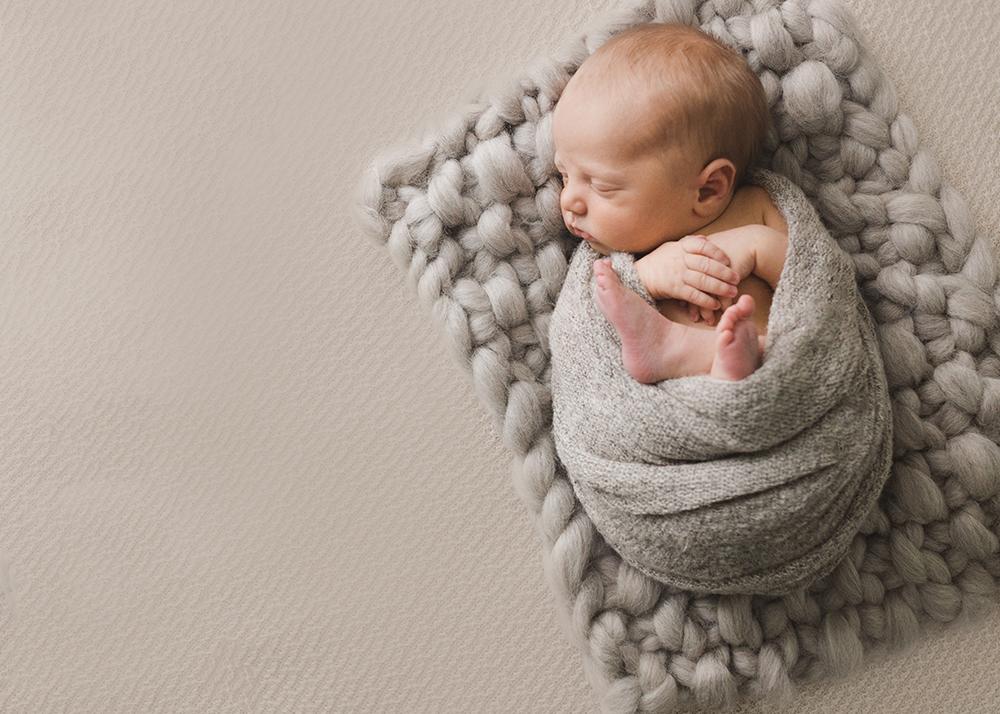 Edmonton Newborn Photographer_Baby Lincoln Sneak Peek 9.jpg