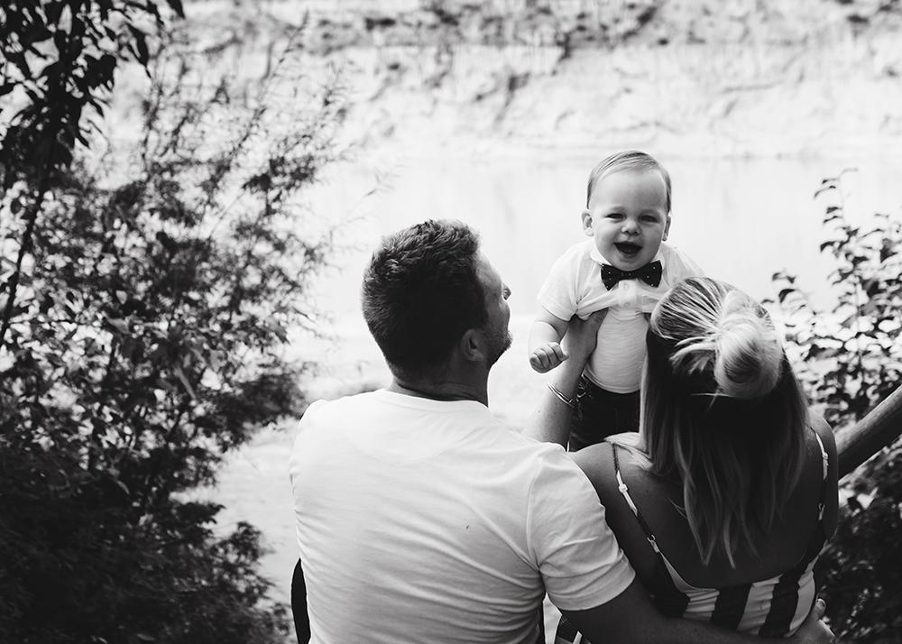 Edmonton Family Photographer_Kimmerly Family Sneak Peek2.jpg