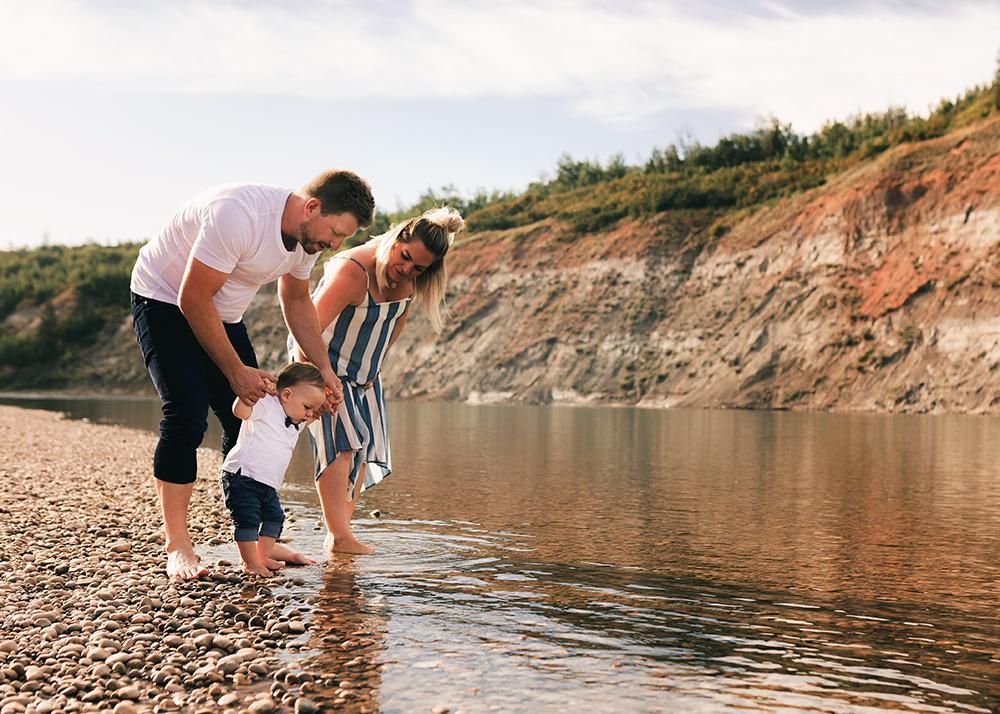 Edmonton Family Photographer_Kimmerly Family Sneak Peek4.jpg