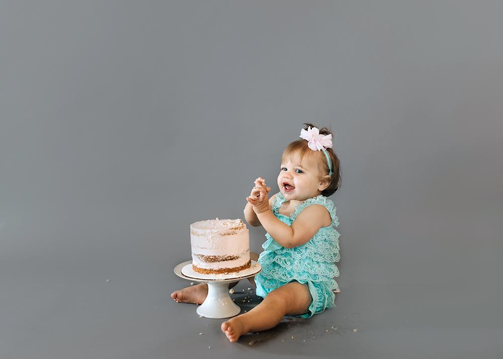 Edmonton Milestone Photographer_Alena First Birthday 7.jpg