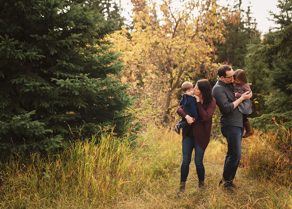 Edmonton Family Photographer_McRoberts Family Sneak Peek 2.jpg