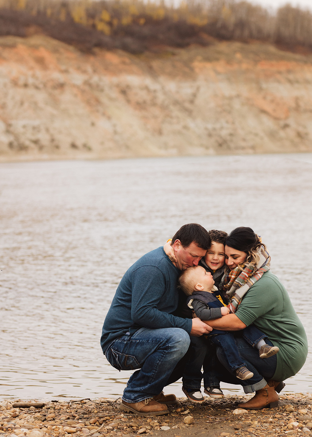 Edmonton family photographer_Schmidt Family Sneak Peek 2.jpg
