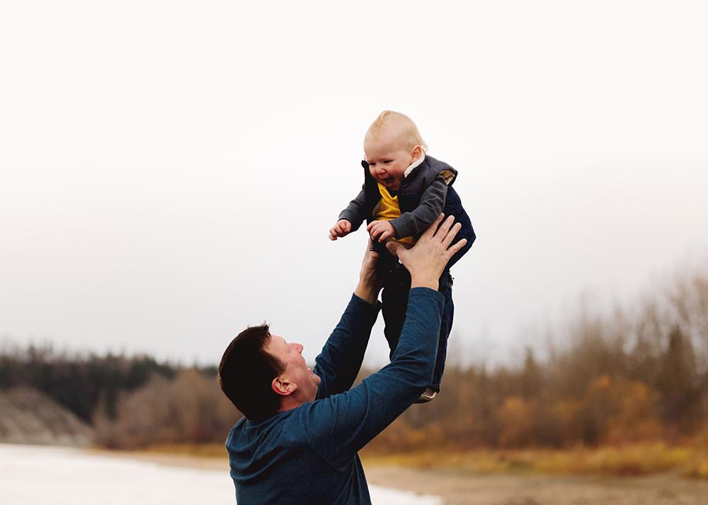 Edmonton family photographer_Schmidt Family Sneak Peek 7.jpg