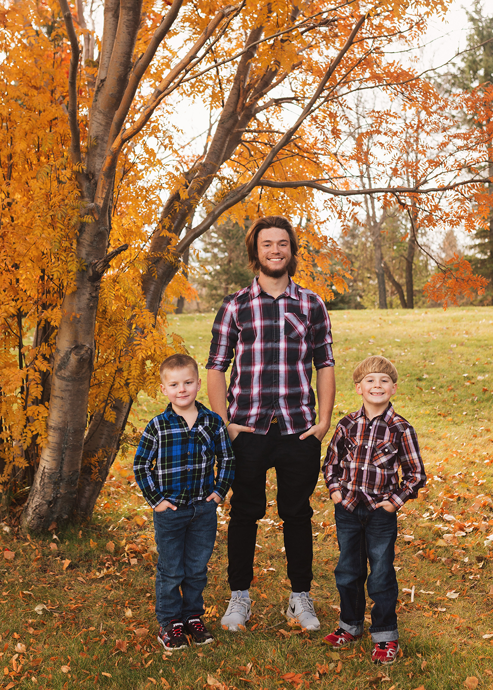 Edmonton Family Photographer_Roberts Family Sneak Peek 6.jpg