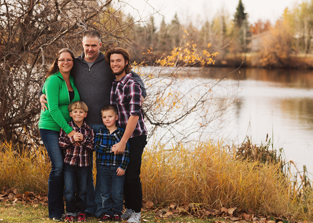 Edmonton Family Photographer_Roberts Family Sneak Peek 9.jpg
