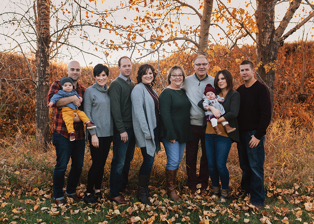 Edmonton Extended Family Photographer_N family sneak peek 3.jpg