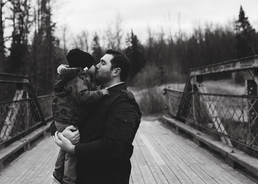 Edmonton Family Photographer_Sylvester Family Sneak Peek 4.jpg