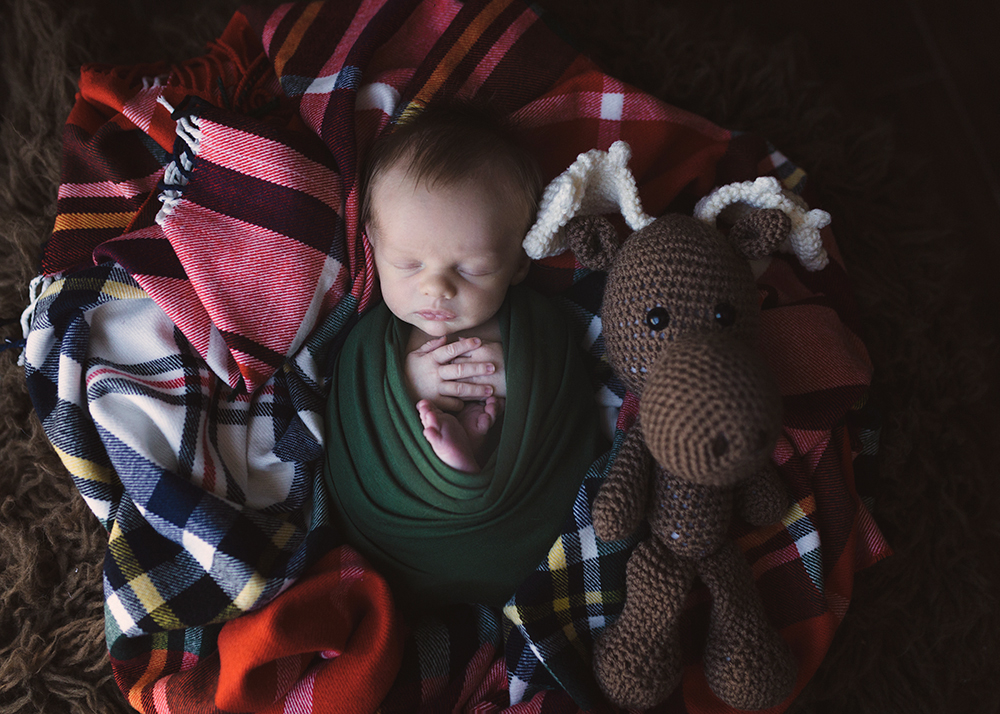 Edmonton Newborn Photographer_Baby Liam Sneak Peek 8.jpg