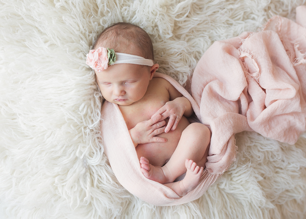 Edmonton Newborn Photographer_Taylor Sneak Peek 10.jpg