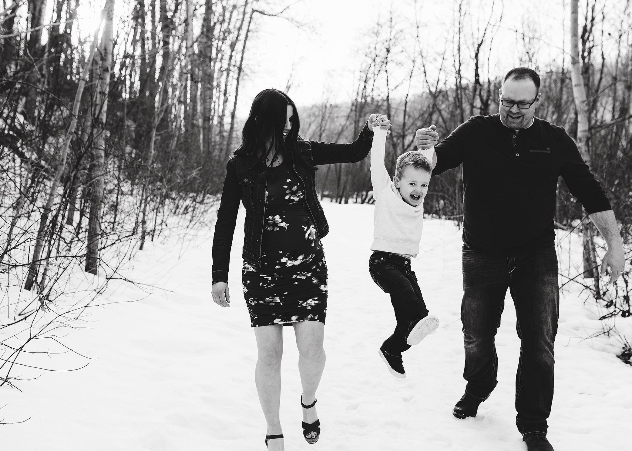 Edmonton Maternity Photographer_Brittany Sneak Peek 8.jpg