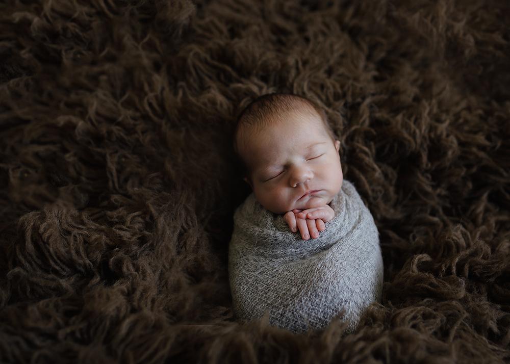 Edmonton Newborn Photographer_Baby Oliver Sneak Peek 2.jpg