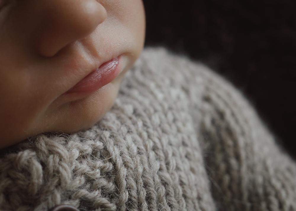 Edmonton Newborn Photographer_Baby Oliver Sneak Peek 11.jpg