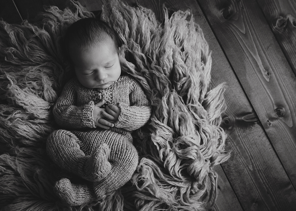Edmonton Newborn Photographer_Baby Oliver Sneak Peek 12.jpg