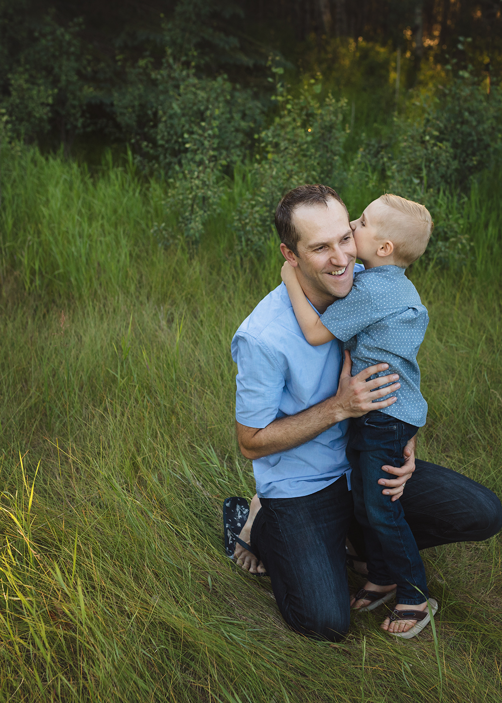 Edmonton Family Photographer_Berg Family Sneak Peek 11.jpg