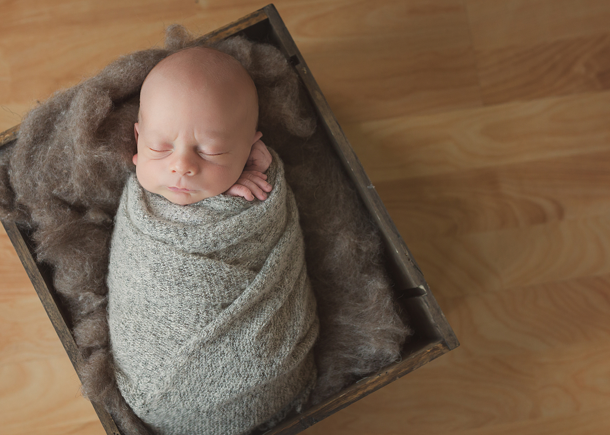Spruce Grove Newborn Photographer_Baby Logan Sneak Peek 7.jpg