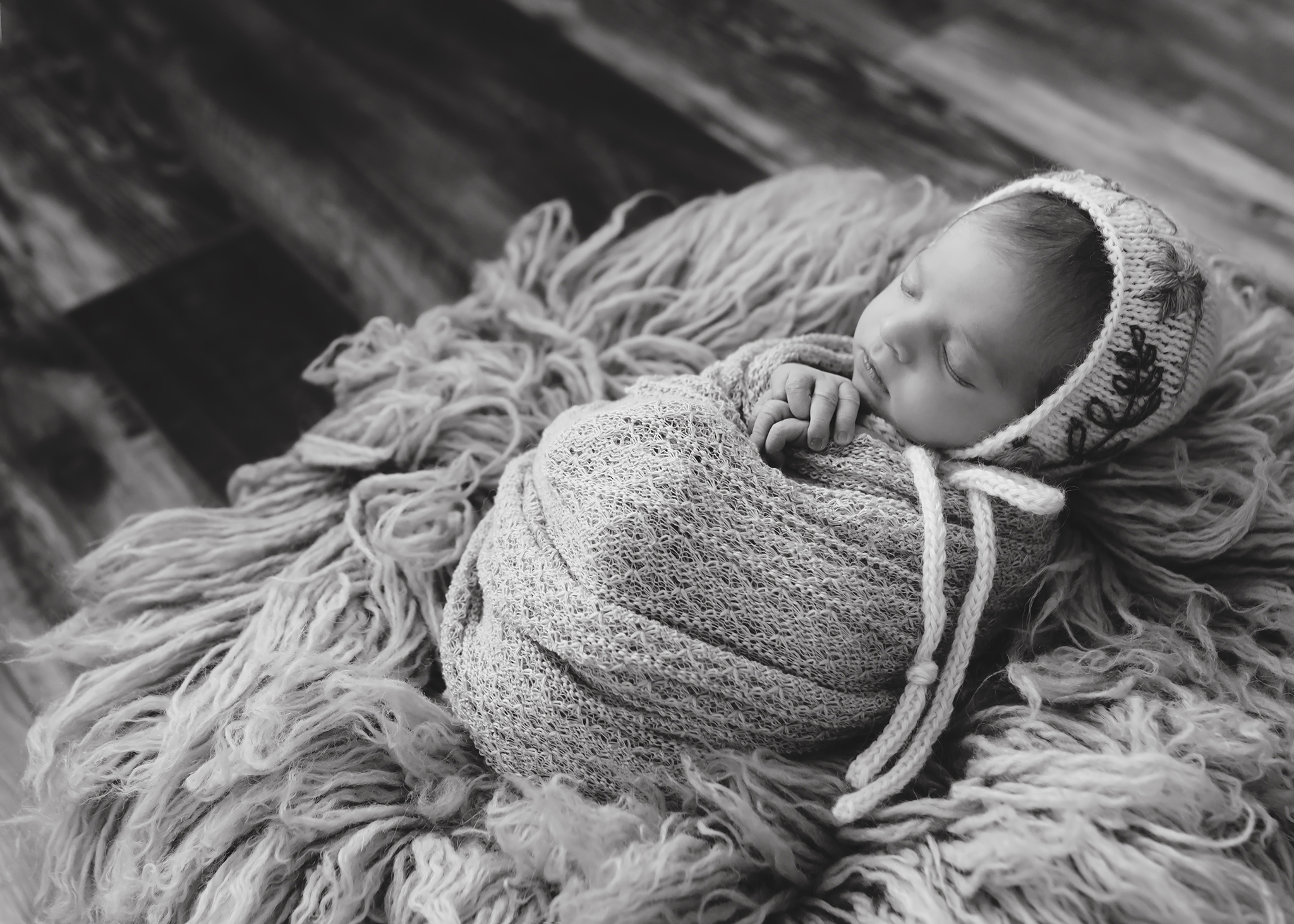 Alberta Newborn Photographer_Baby Madelaine Sneak Peek 10.jpg