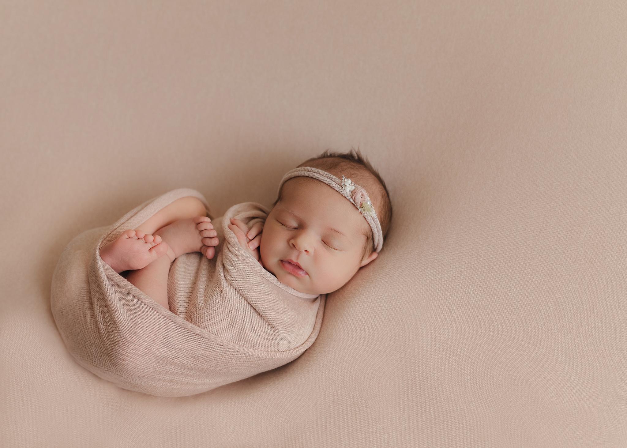 Edmonton Newborn Photographer_Baby Tenleigh 9.jpg