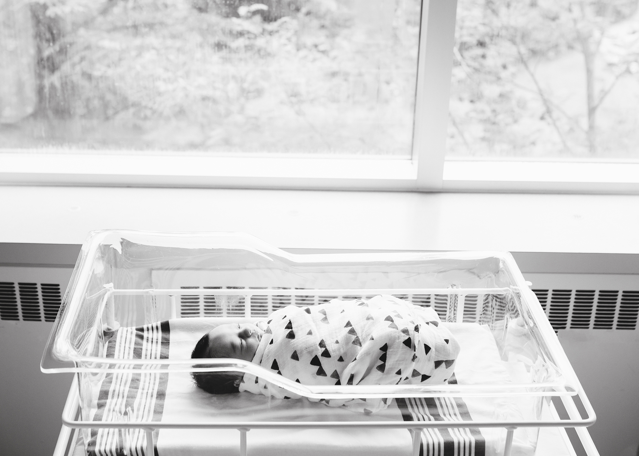 Edmonton Maternity_Fresh48_Newborn Photographer_Baby Hendrix 16.jpg