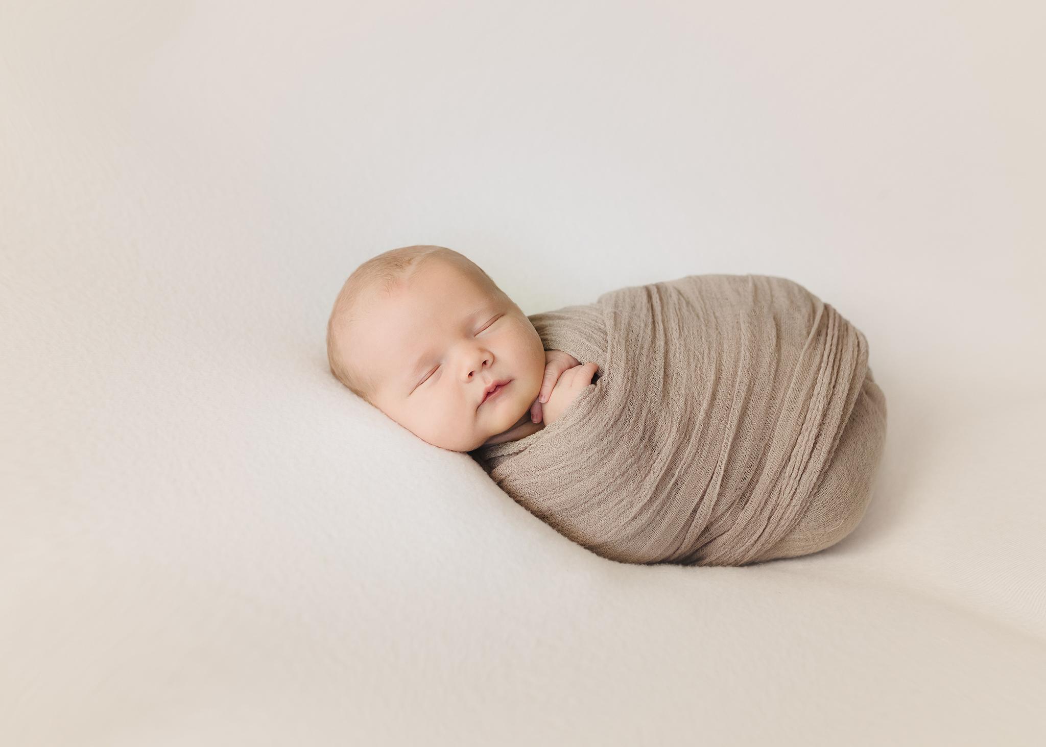 Edmonton Newborn Photographer_Baby Bennett 2019 7.jpg