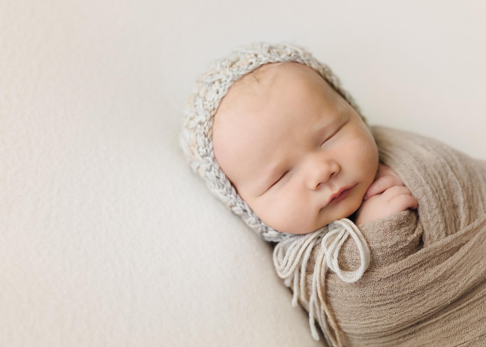 Edmonton Newborn Photographer_Baby Bennett 2019 8.jpg