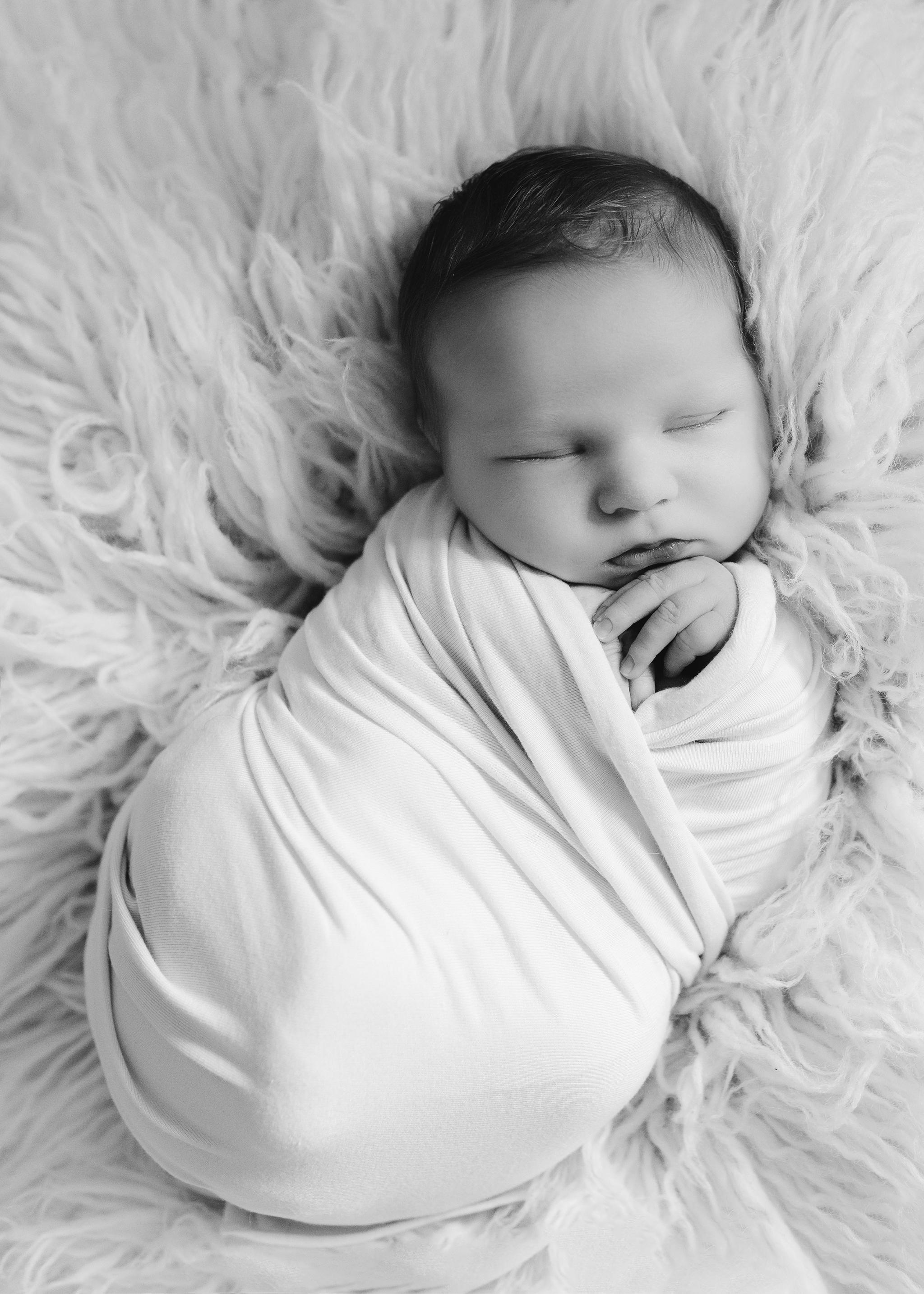 Edmonton Newborn Photographer_Baby Donovan 4.jpg