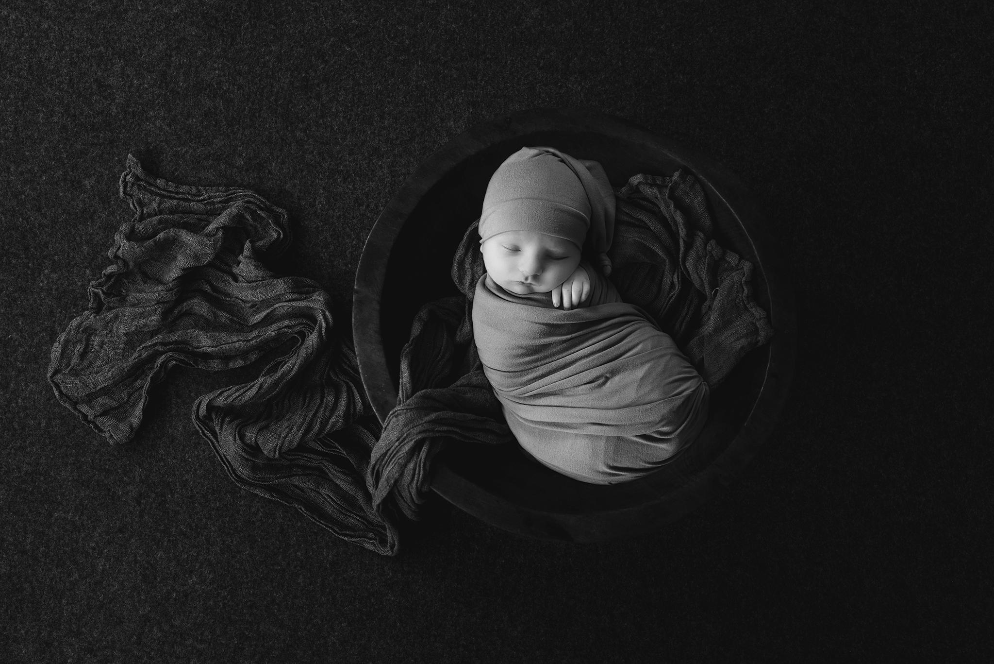 Edmonton Newborn Photographer_Baby Liam 1.jpg