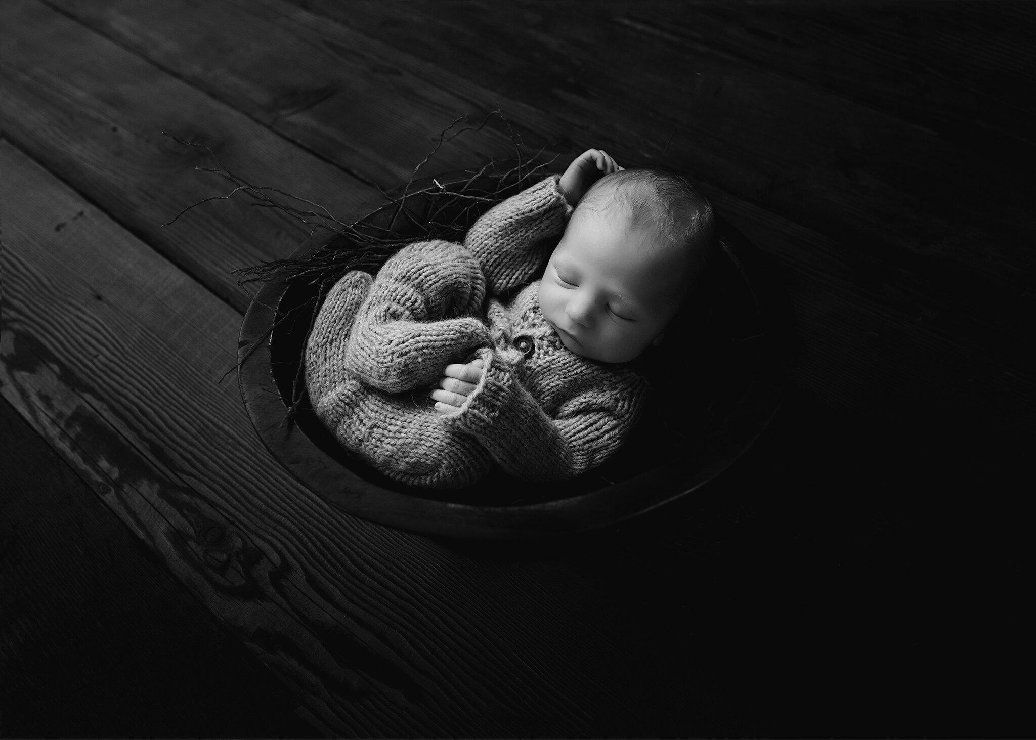 Edmonton Newborn Photographer_ Baby Bennett M 16.jpg