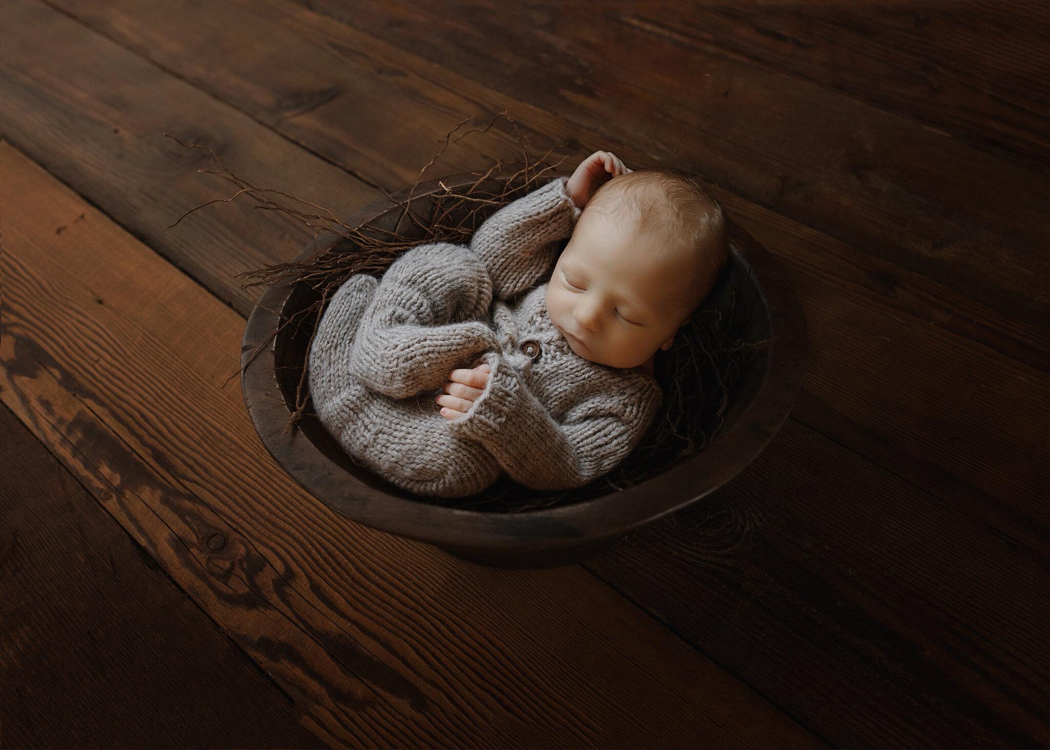 Edmonton Newborn Photographer_ Baby Bennett M 17.jpg