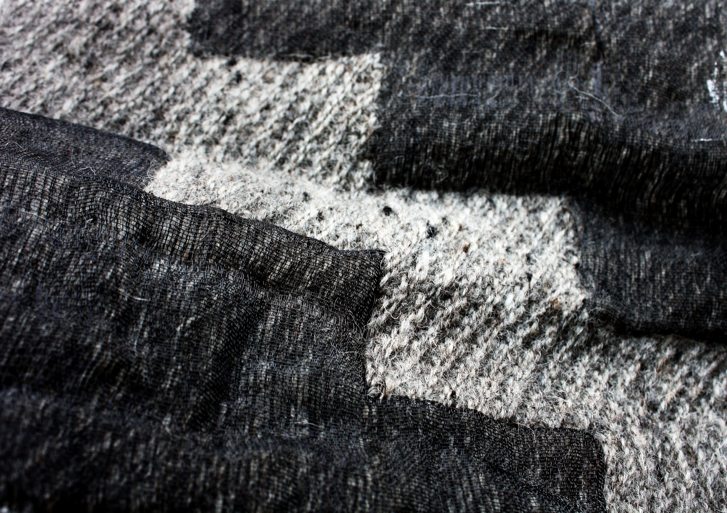 Hand woven double cloth / Monofilament and Wool