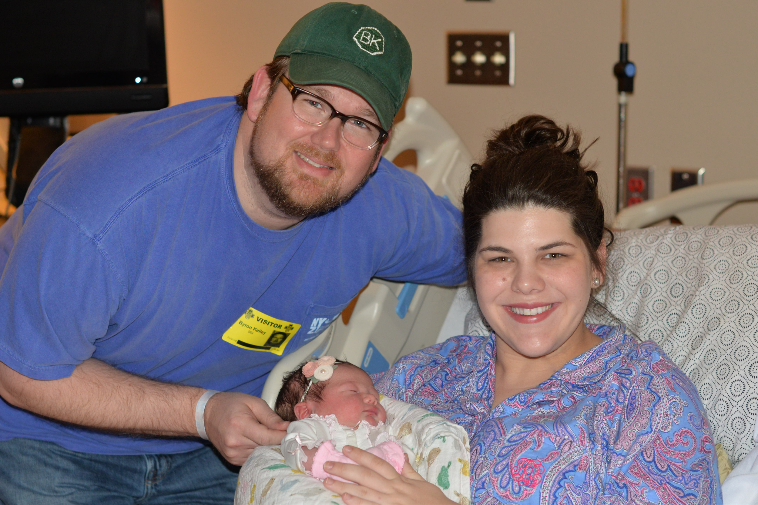 Proud new parents, Byron & Carley with their new baby Lucy.  ðŸ'�