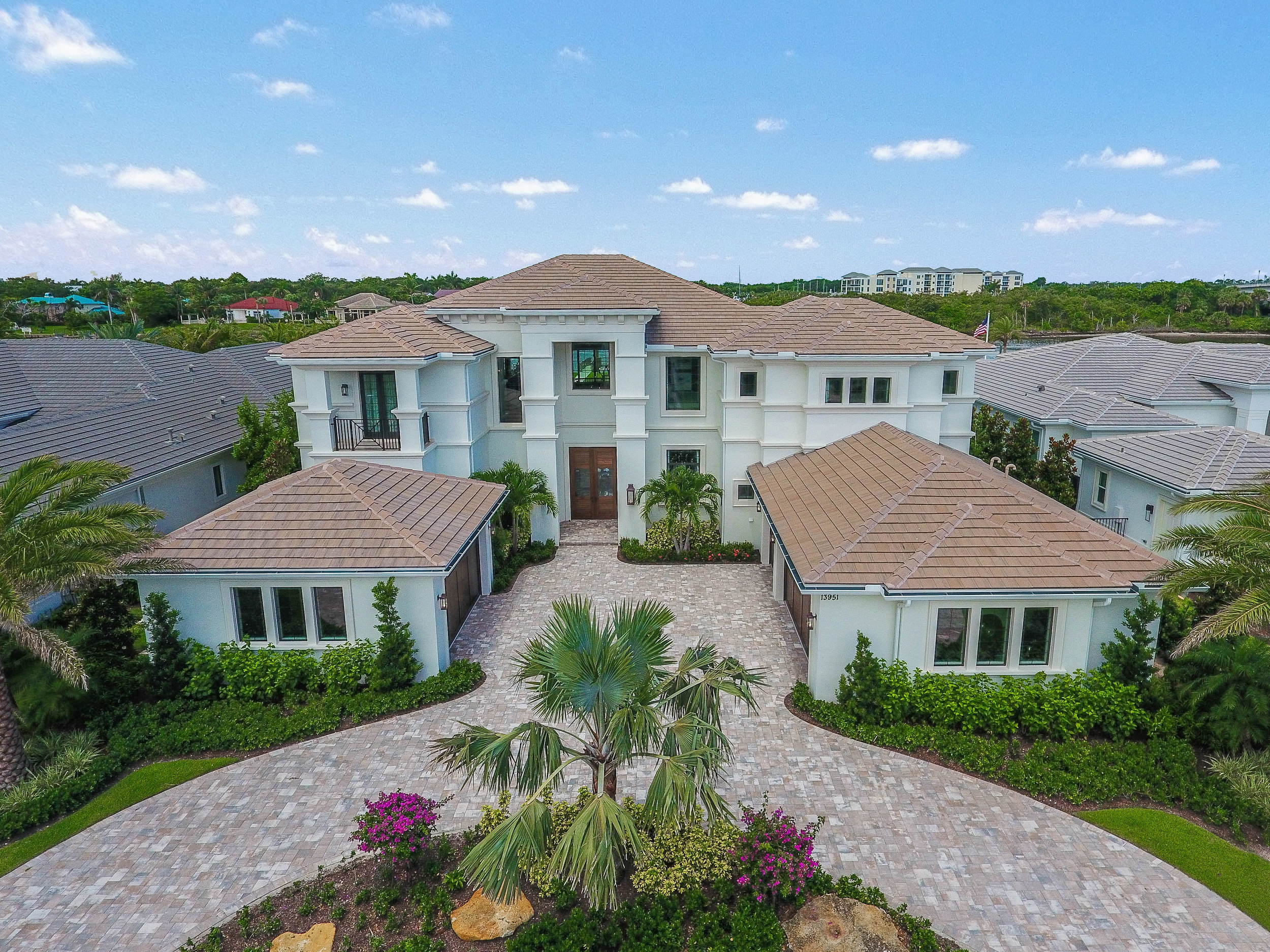 DIRECT INTRACOASTAL IN FRENCHMAN'S HARBOR