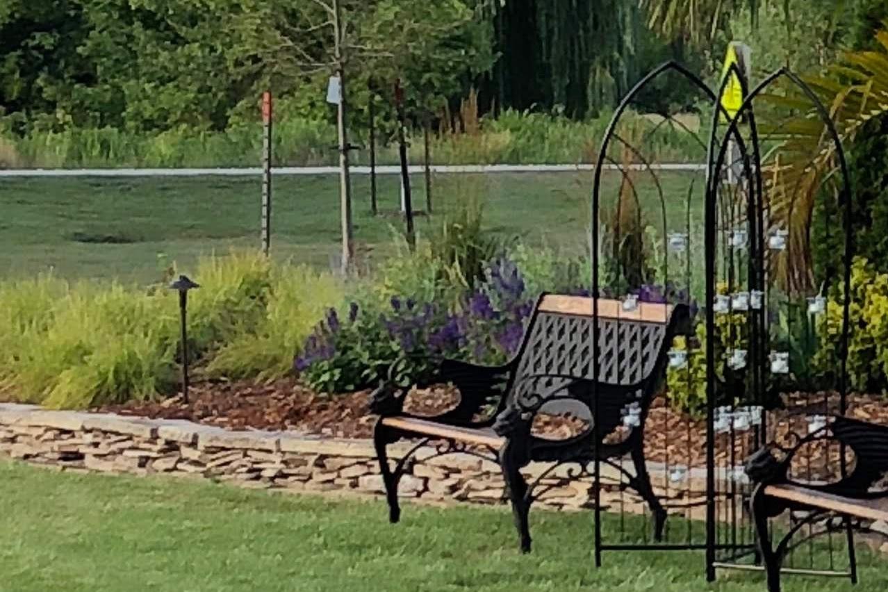 red-fern-landscape-design-central-iowa-landscaping-prairie-inspired-garden