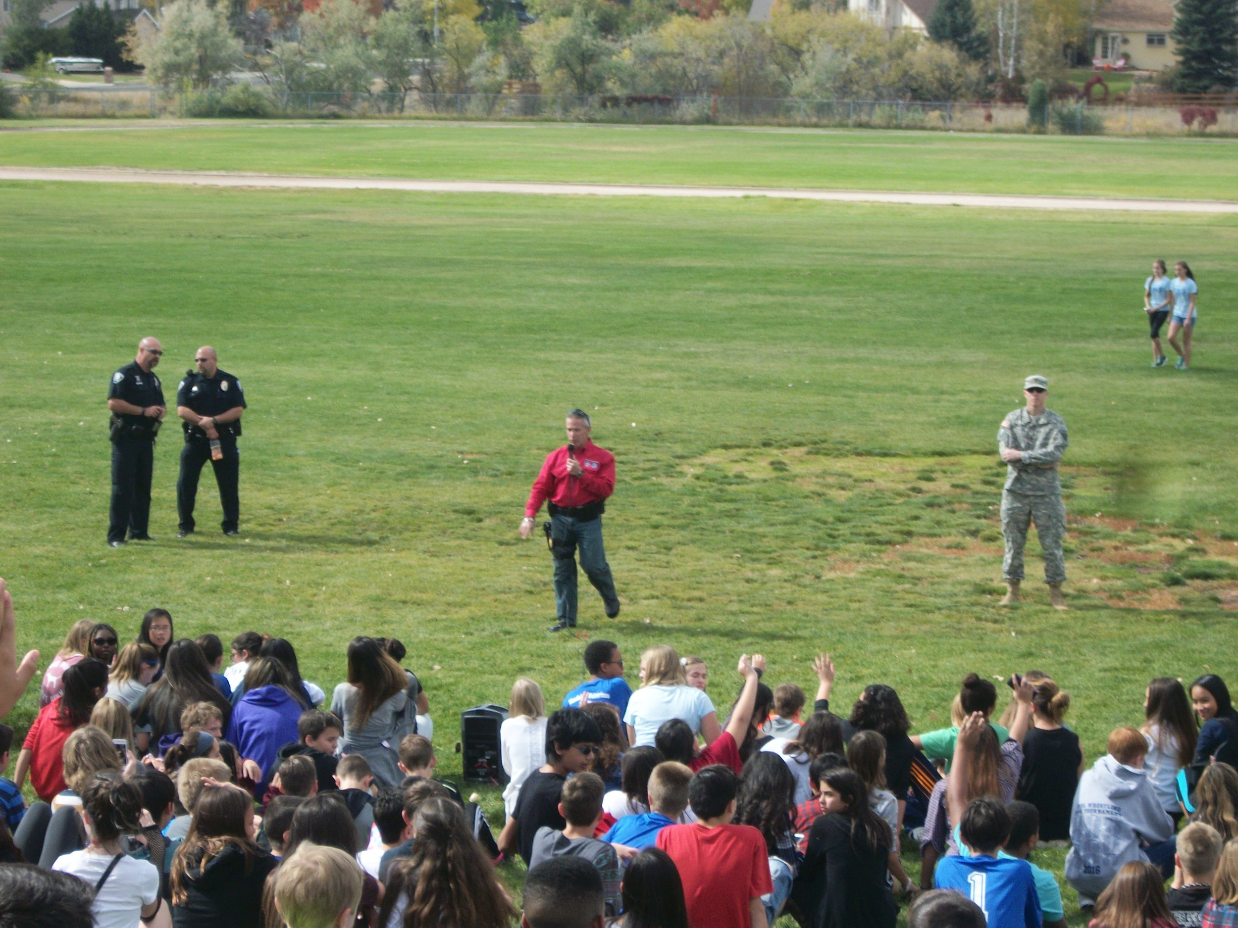 Fly-In at Mandalay Middle School 003.jpg