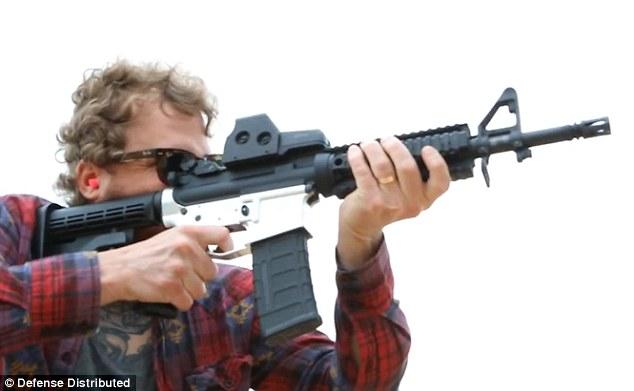 Réplica de AR-15 impressa em 3D produzida pela Defense Distributed.