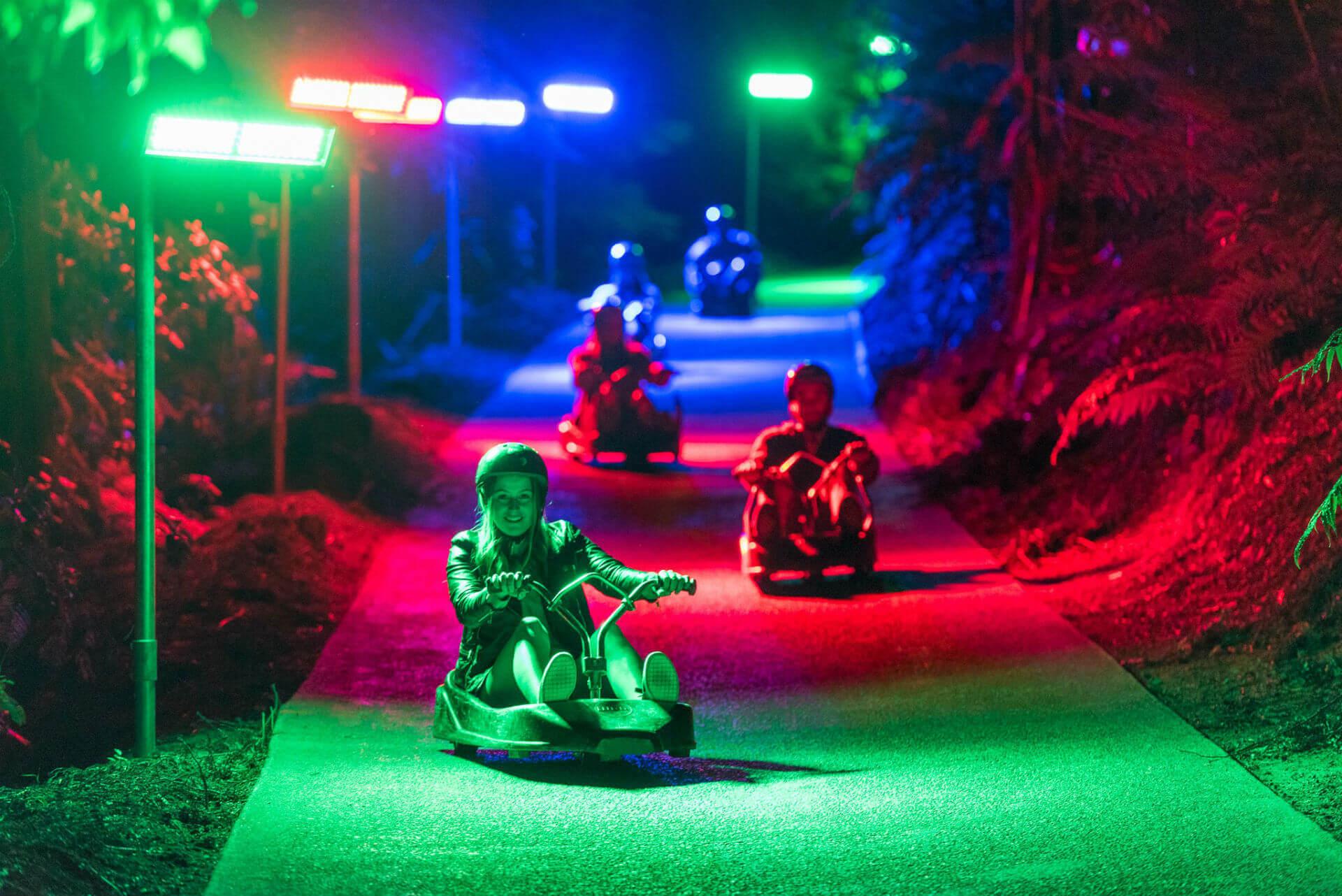 Luges sur pistes (nocturne) © Skyline Rotorua