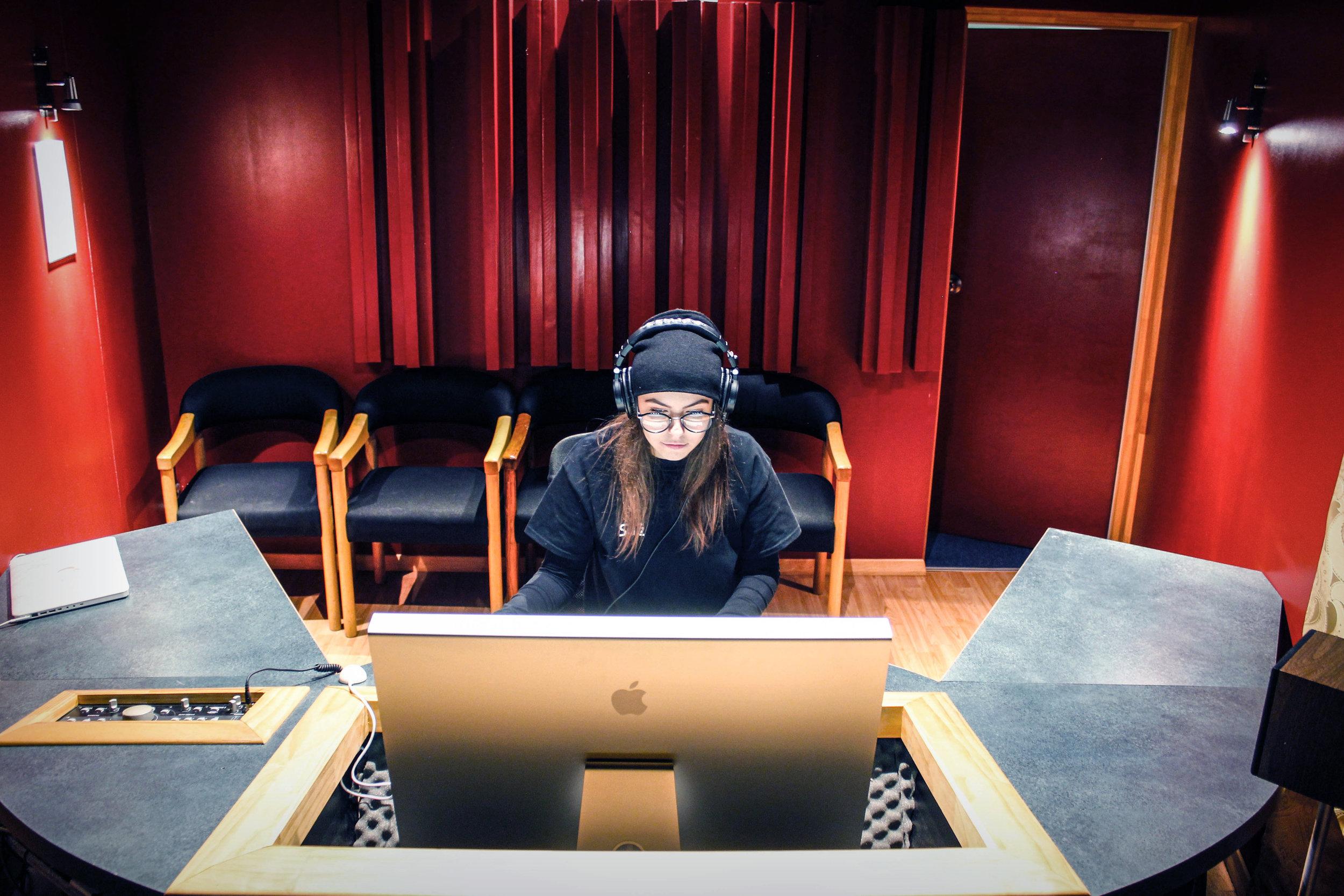 Audio - Mastering Arnella.jpg