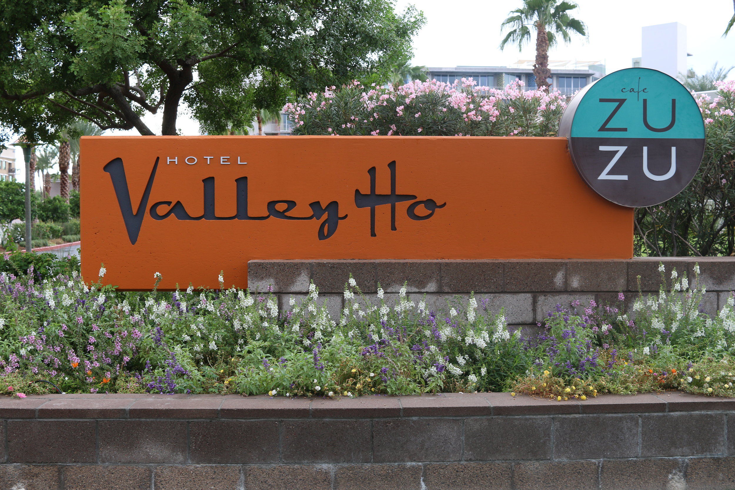 hotel-valley-ho-exterior-scottsdale-arizona