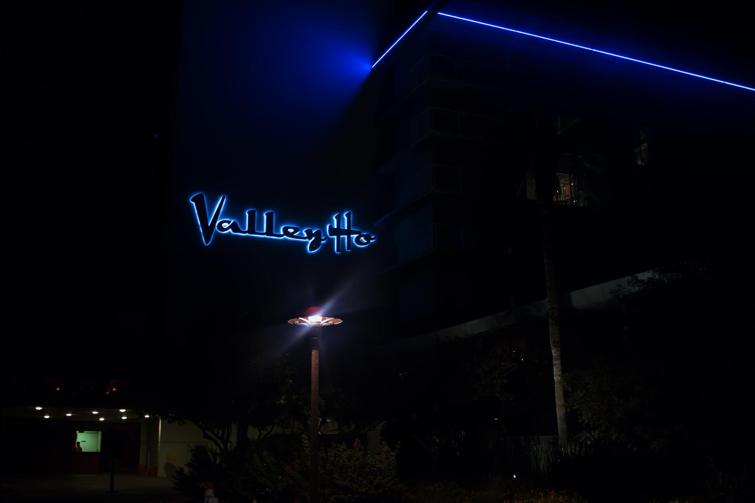 hotel-valley-ho-night-scottsdale-arizona