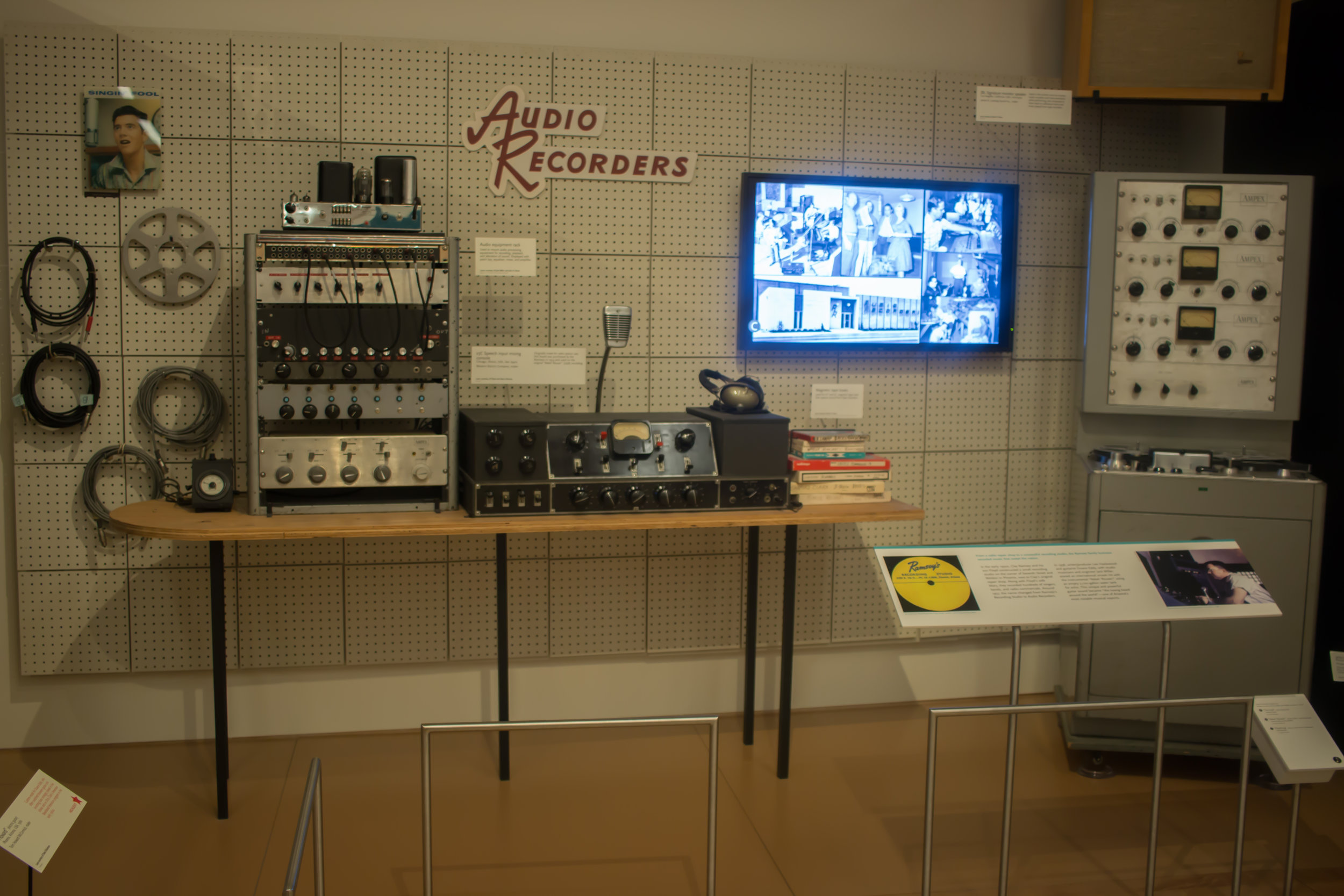 synthesizer-musical-instrument-museum