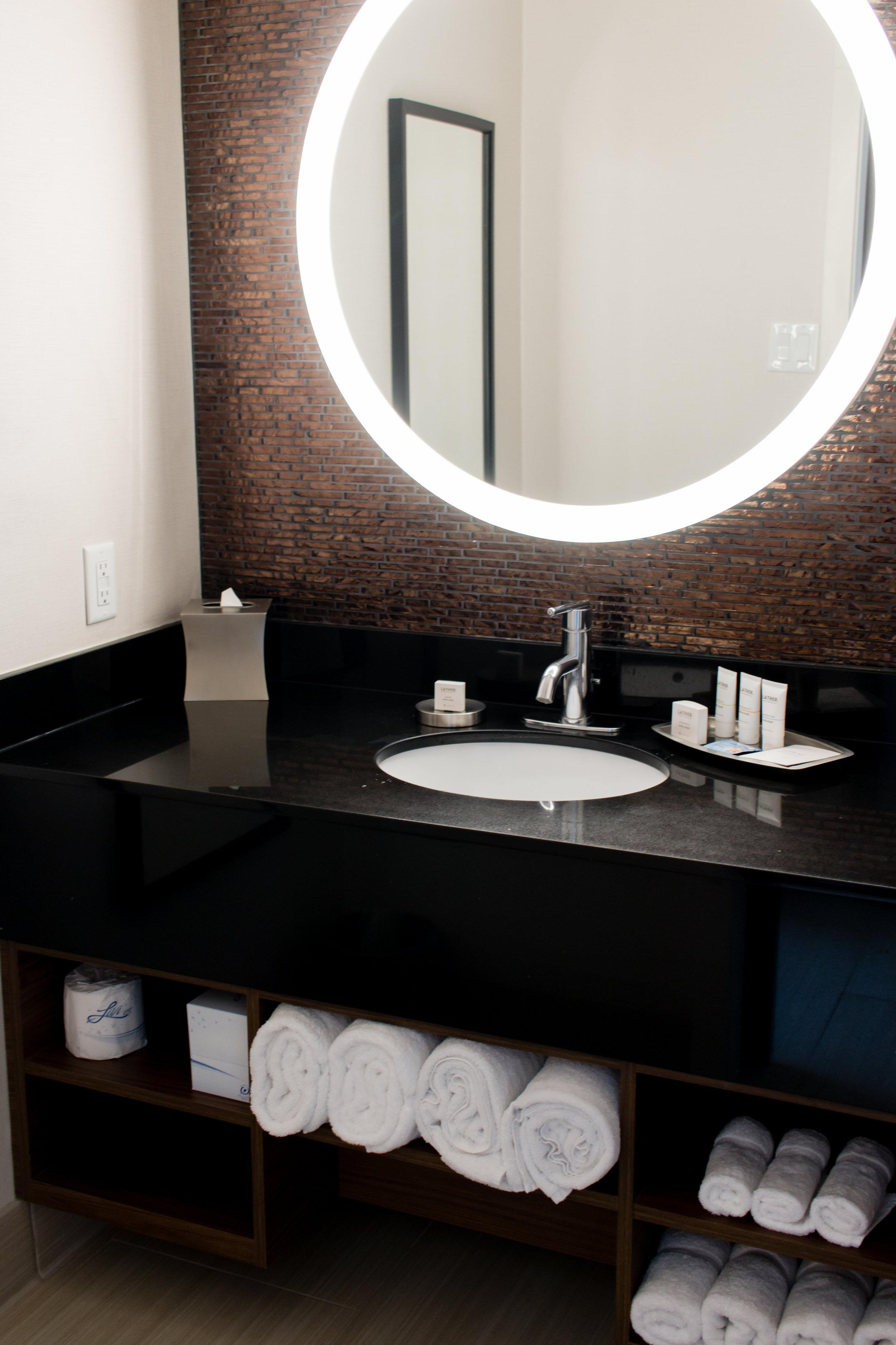 hotel-angeleno-room-bathroom