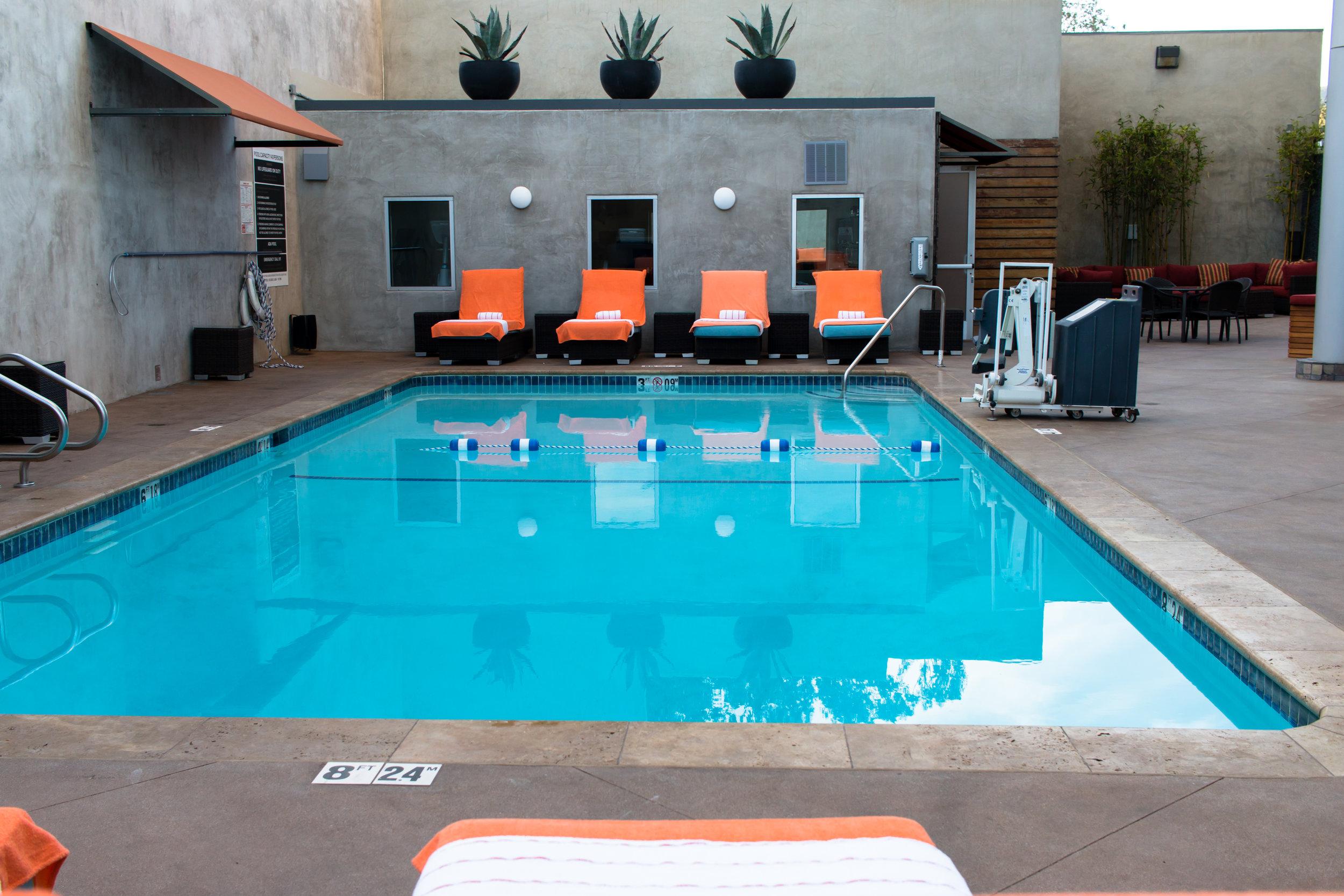 swimming-pool-hotel-angeleno