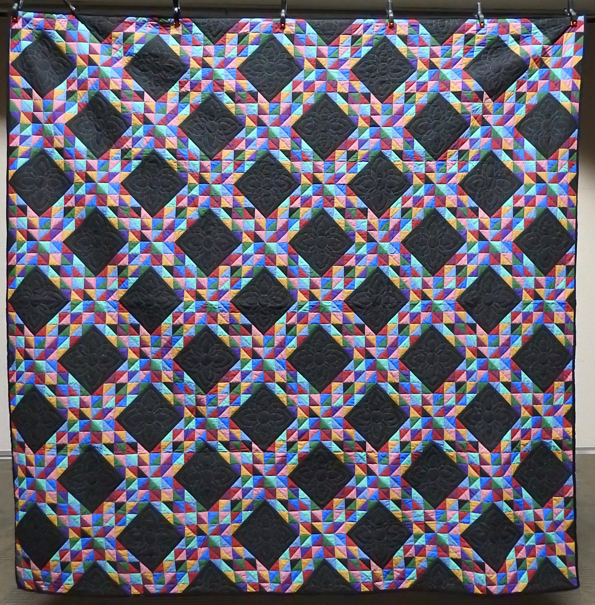 Amish Triangles, Pre-printed fabric, Single Needle Hand Quilted, Clinton Frame Church, 87 x 87""